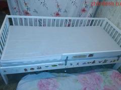 Детская кроватка  3000