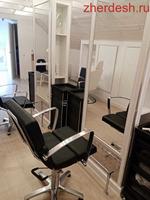 Требуются мужской парикмахер, женский парикмахер(стрижки,окрашивания), мастер маникюра, педикюра.